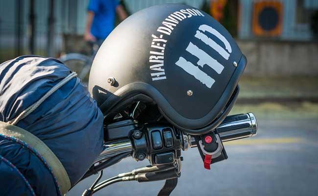 ヘルメット着用を忘れずに